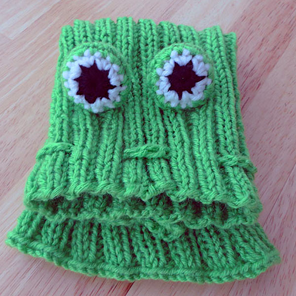 Knitting Pattern Dog Snood : Un-FROG-ettable Designs!